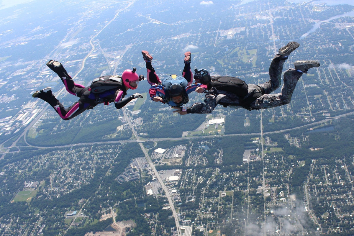aff skydiving student in freefall learning to skydive